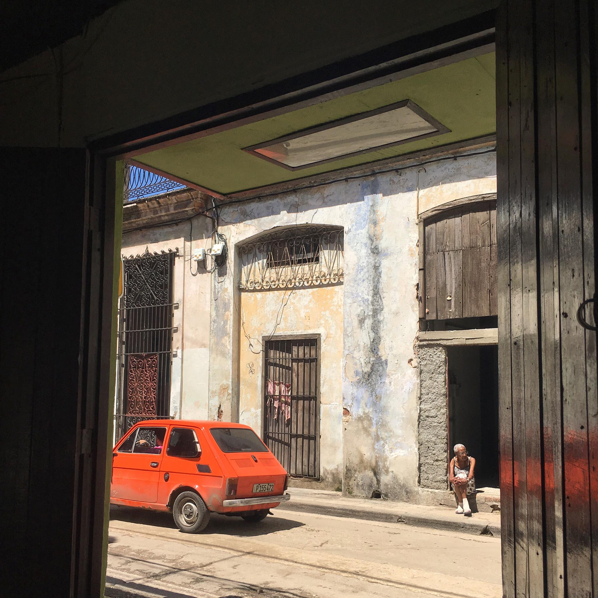 Noon in Havana, Cuba